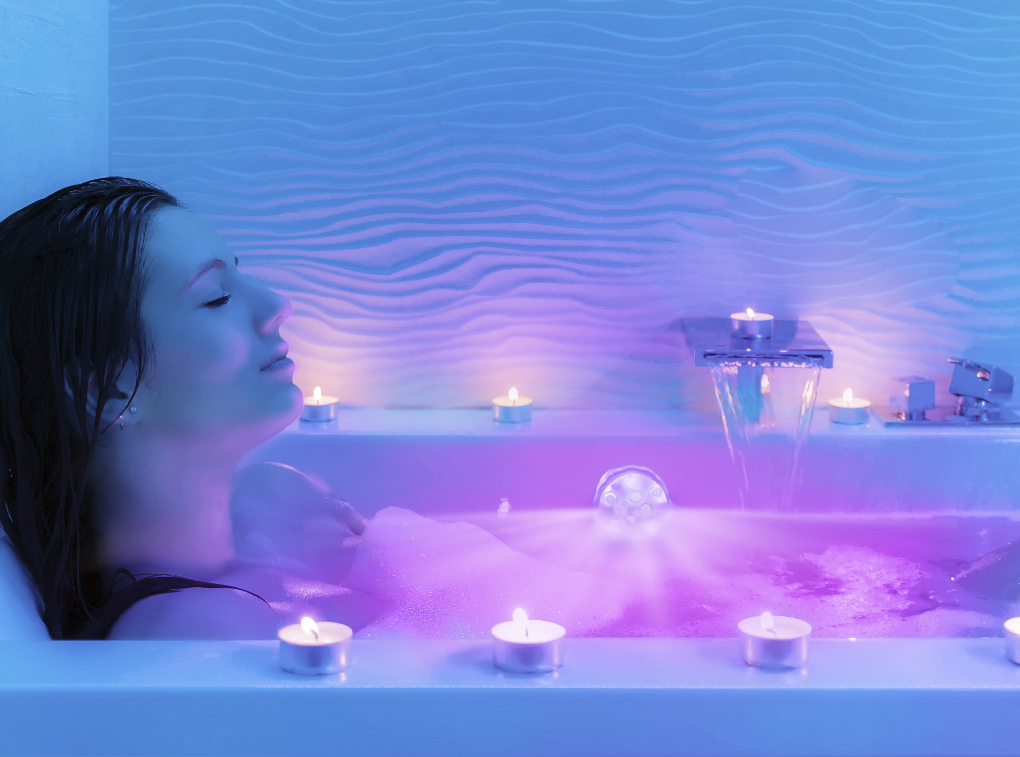 Read more about the article DIY a Perfect Spa Day with these Smart Bath & Beauty Gadgets